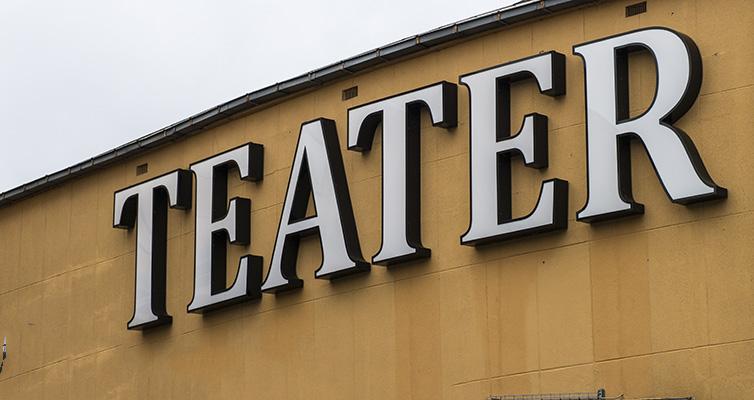 Blok på bistand – Absurd teater!
